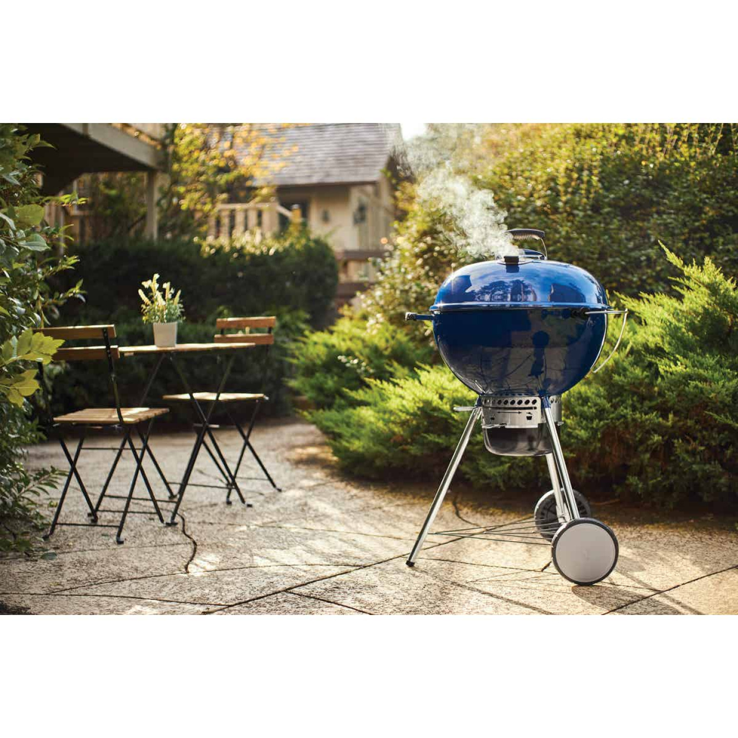 Weber Master-Touch 22 In. Dia. Deep Ocean Blue Charcoal Grill Image 2